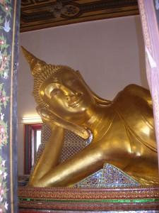 the mesmerising 10-metre reclining Buddha statue