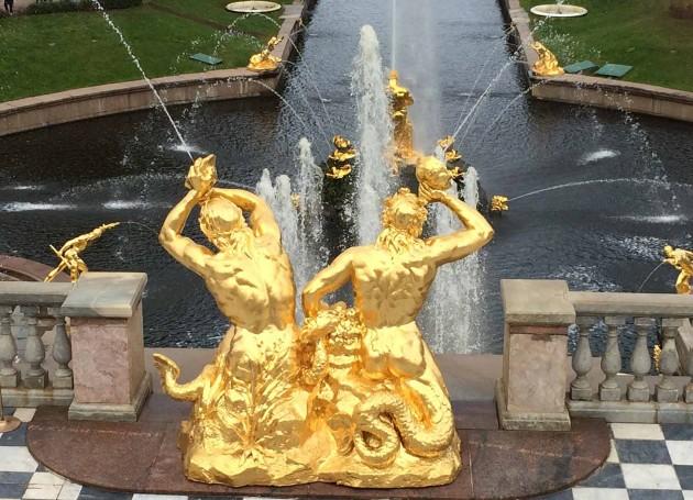 Gold statues at Peterhof.